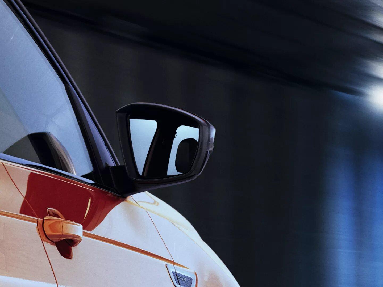 Espejos rebatibles automáticos | Nuevo T-Cross | Andina Volkswagen